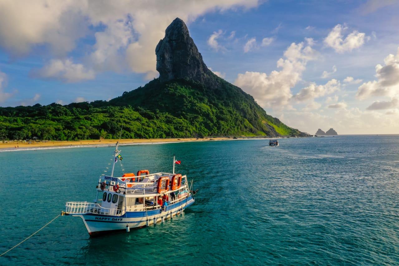 passeio de barco - Pousada Morro do Farol - Fernando de Noronha